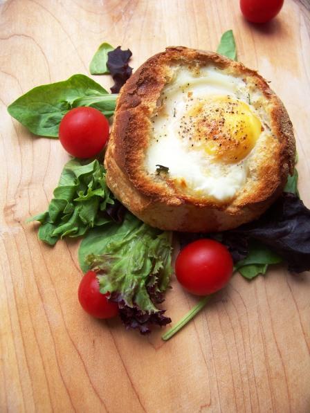 jajo w bułce zapiekane (3)