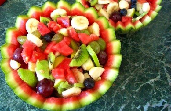 sałatka w arbuzie (1)