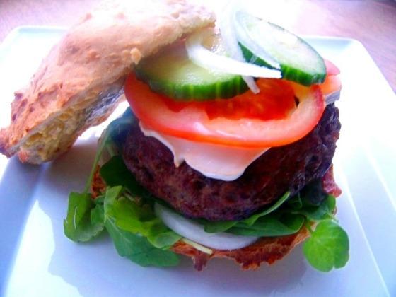 burger z kozim serem (14)