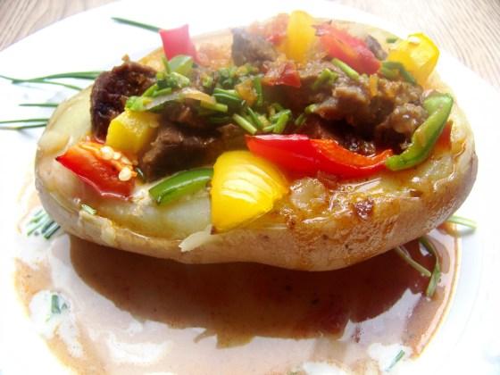 gulasz w ziemniaki (1)